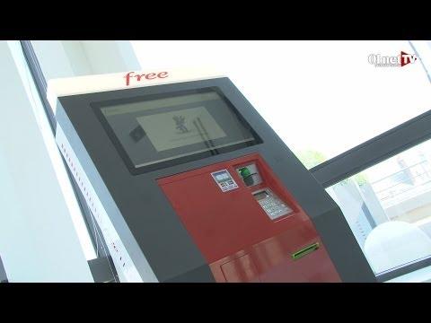 Free mobile : Xavier Niel présente son distributeur de cartes SIM