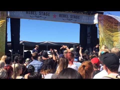 Seaway - The Basics (Live @ Riotfest Toronto 2014)