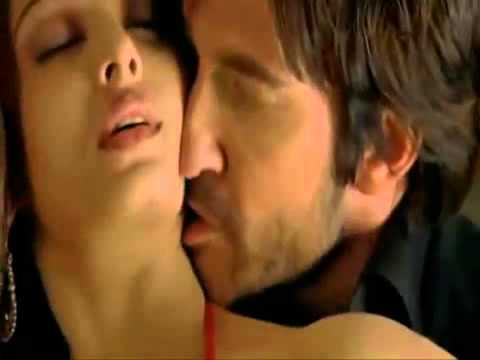 Hot Aishwarya Rai Bacchan Bollywood Actress Hot Sexy Pose Giving Hd video