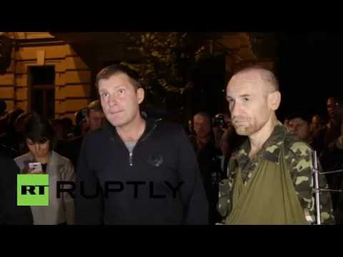 Ukraine: See National Guard argue with counter-protesters in Kiev