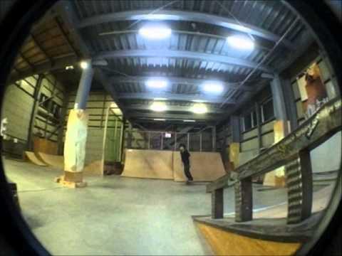 2011/11/19 旭川 skater kazumi & hajime spray part3 Image 1