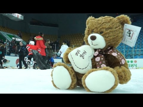 Мишкопад в Екатеринбурге: No comments. Teddy bear toss in Ekaterinburg