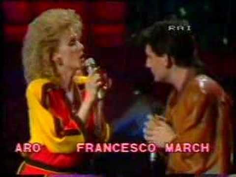 Loretta Goggi & Mango - Lei Verrà