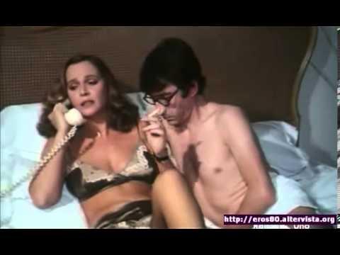 Laura Antonelli in Letti selvaggi Al telefono....