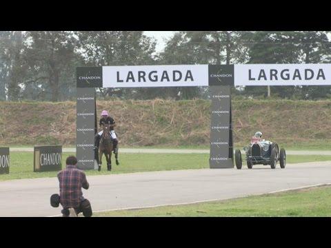 Campeón de la F1 desafió con un Bugatti a un caballo de polo