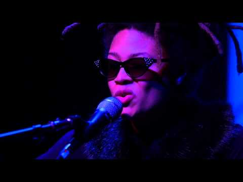 Valerie June - Twined & Twisted (Live on KEXP)