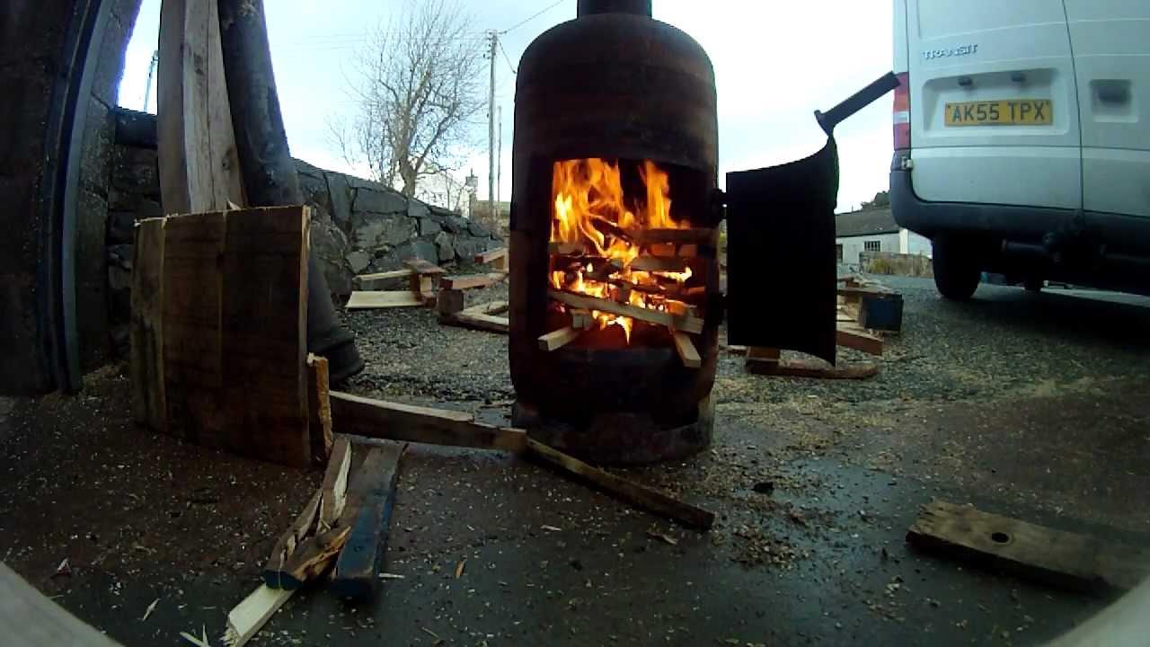 Pot Belly Gas bottle Woodburner - Making a fire - YouTube