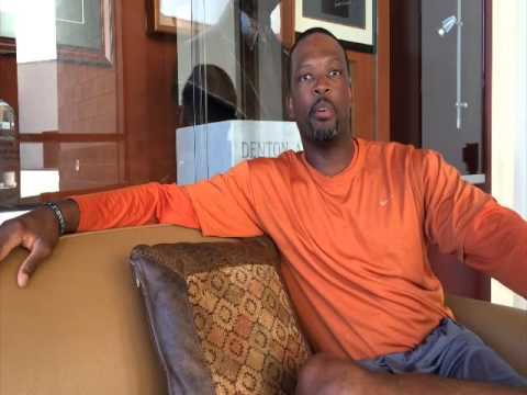 Interview with Texas Women's Basketball Coach Travis Mays