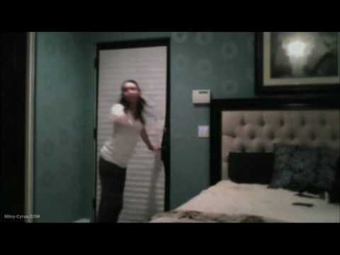miley cyrus house tour miley cyrus bedroom of