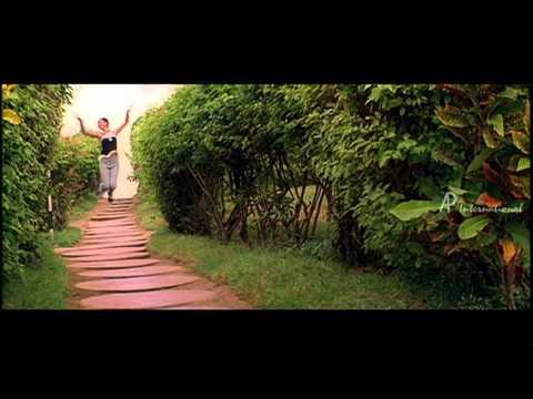 Siragaagi Ponathae Song