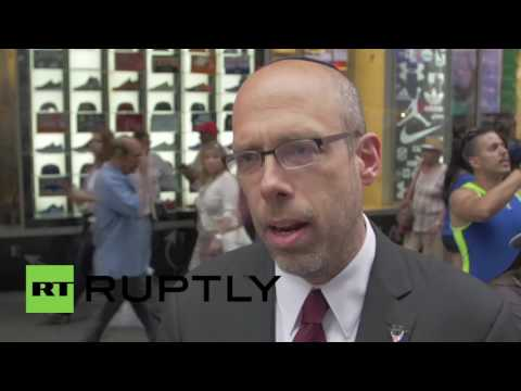 USA: Pro-Palestine and pro-Israel protesters square off in New York