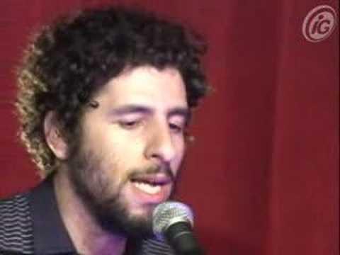 José González canta