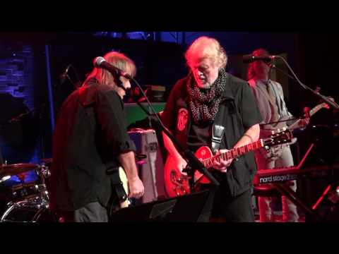 Randy Bachman & Walter Trout - American Woman - Live The Concert Hall 2017