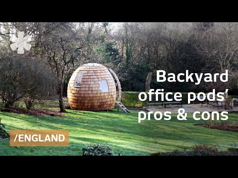 Tiny backyard pod for shedworking in Medieval English town