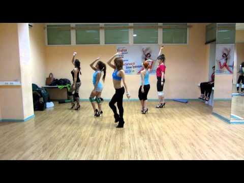 go-go dance c Лисичкой