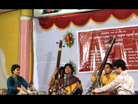 Ramakant Gaikwads Parbhani concert sep2013 with Yashwant Vaishnav...