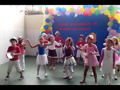 Homenagem ao Folclore Escola Jovens Talentos