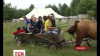 Львівський театр виїхав на гастролі на возах - (видео)