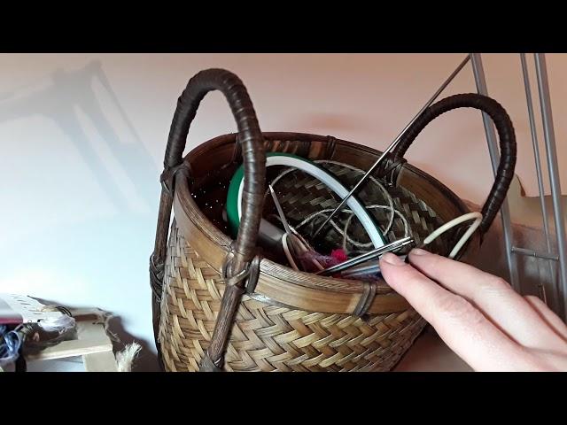 Мой рабочий стол - вышивка и вязание