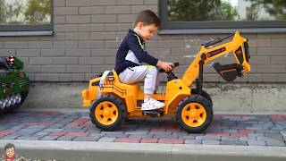 Kid ride on Power Wheels Collection cars Tractor Sportbike for kids BOX FORT GARAGE for cars