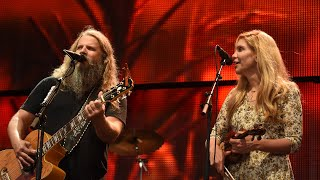 Jamey Johnson with special guest Alison Krauss at Farm Aid 2016