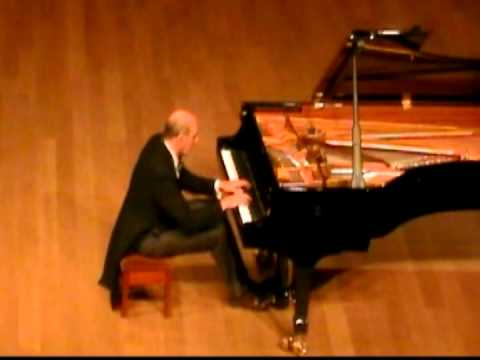 Rachmaninoff, Prelude in G sharp minor: Alan Fraser at Sevenoaks School, August 30 2013