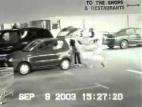 Perempuan mengamuk dekat parking