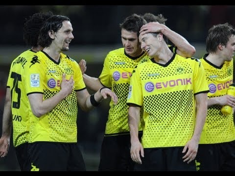 Bundesliga - Weekend preview - Dortmund determined to beat third-placed Schalke.