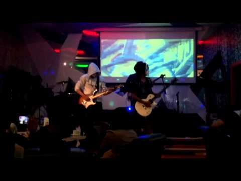solo guitar cheky with dewo cover jimi hendrix