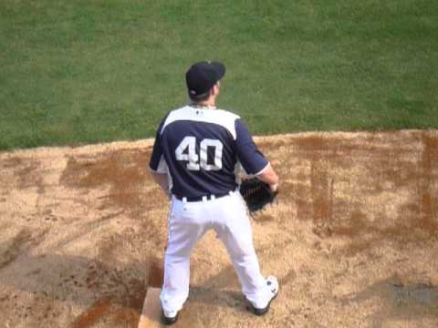 Phil Coke in bullpen (Detroit Tigers, 高雄澄清湖棒球場)_2011/11/5