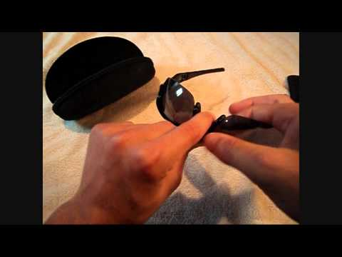 how to remove oakley flak jacket lenses