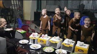 5 Chú Tiểu - ĂN BÁNH SINH NHẬT CÙNG THẦY ''ÔNG NỘI'' VUI ƠI LÀ VUI..!!