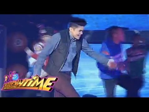 Around The World With Vhong Navarro video