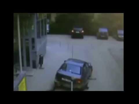 Авто приколы видео Внимание за рулем дамочки