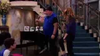 Debby Ryan & Kevin Chamberlin Dancing On Jessie (Krumping and Crushing [HD])