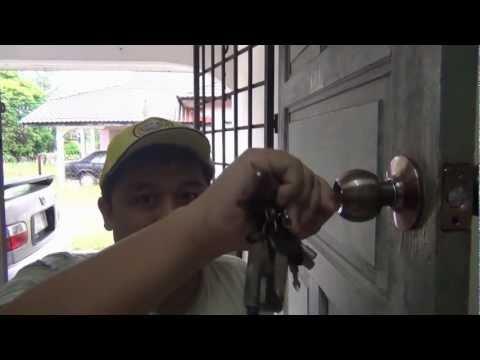 Changing the Door knob