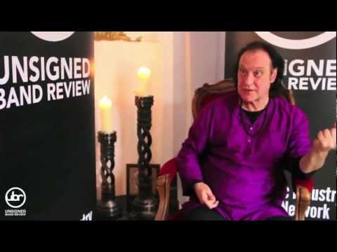 Kinks Legend: Dave Davies talks about his life, the music industry & reviews some Emerging Icons