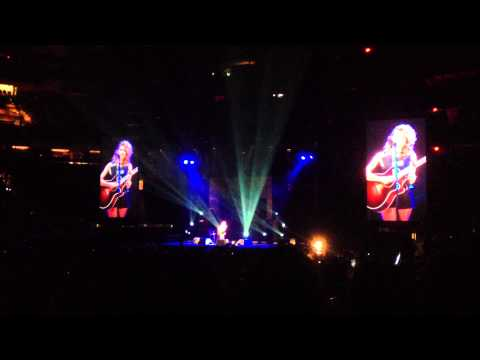 Tori Kelly Live  Madison Square Garden: Dear No One video