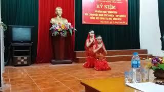 Múa Ấn Độ của bé Minh Thảo và Khánh Huyền