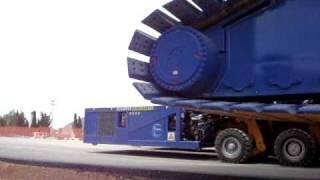 Khi cẩu xích 1400 tấn được vận chuyển đến công trường