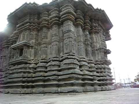 1000 pillar temple (Veyyi Stambala Gudi)