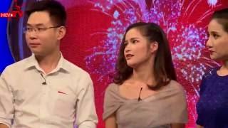 Cười không nhặt được mồm với chàng trai muốn hun bạn gái trên sân khấu nhưng không được