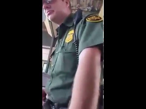 Mexican man mocks an immigration agent of the United States.