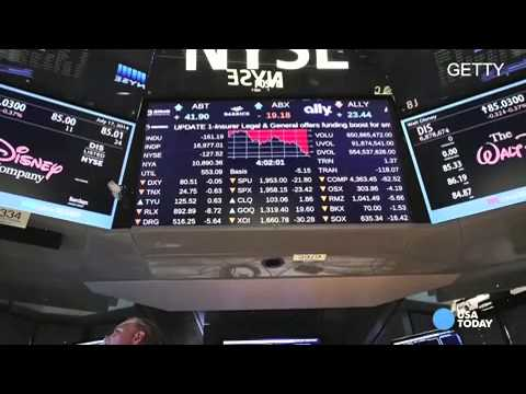 Stocks plunge: Dow down 265; Apple sinks 3 8%