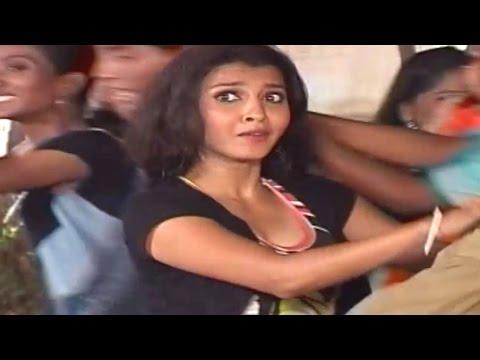 Gori Gori Paan Tu Kevdyacha Paan - Marathi Koligeet Song video