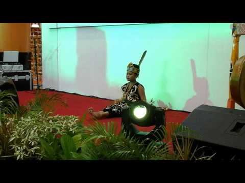 Tarian Daerah Salam Anak Borneo From Osy Sanggar Tari Taranusa video