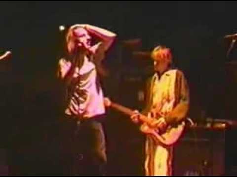 Nirvana - The Money Will Roll Right In