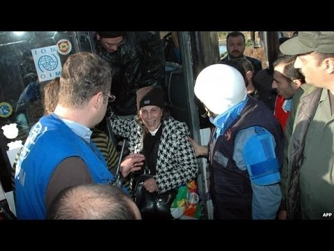 Syrian rebels start evacuation from Homs