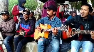 Download Lagu Lagu Perjuangan - Surabaya Oh Surabaya   The Gendot   Pengamen Dieng Gratis STAFABAND