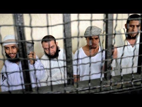 Egito: 14 radicais islâmicos condenados à morte